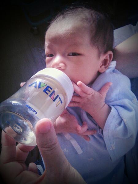 Bottle feeding_2.jpg.jpg